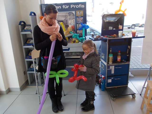 Kinderschminken und Luftballonmodellation ab 5 Std.